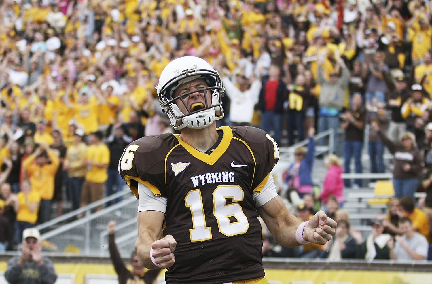 » Game Day: UNLV vs. Wyoming, Oct. 15, 2011 Andrew Carpenean Photography Blog