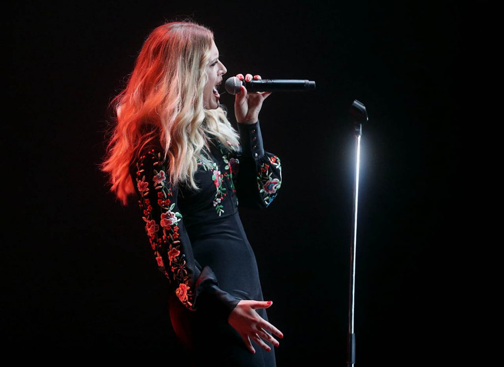 Hannah Huston performs in concert in her hometown of Grand Island at the Heartland Event Center during the 2016 Nebraska State Fair.